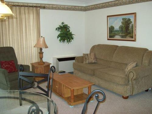 One Bedroom Condo in Downtown Gatlinburg (Unit 502) Photo