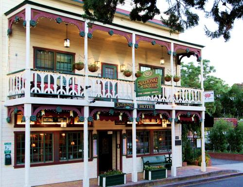 Historic National Hotel & Restaurant