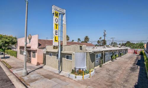 Ramona Motel Photo
