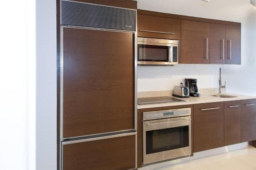 Executive Suites at W Residences Photo