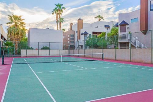 Wyndham Garden Midtown Phoenix photo 24