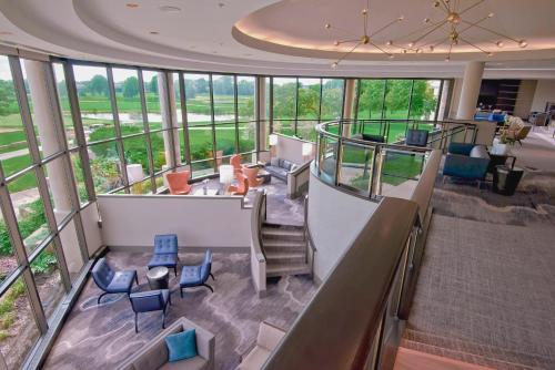 Hilton Chicago Oak Brook Hills Resort & Conference Center Photo