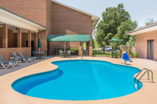 Days inn & Suites - Lexington Photo