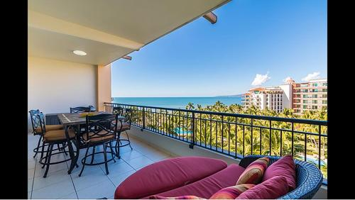 Unlimited Luxury Two Bedroom condo at Playa Royale Photo