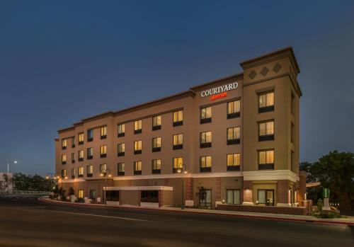 Courtyard by Marriott Reno Downtown/Riverfront Photo