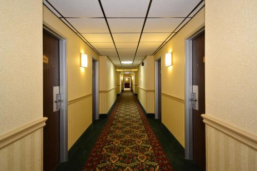 Howard Johnson Inn - Saugerties Photo