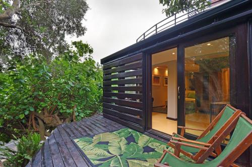 Kensington Treehouse Studio Photo