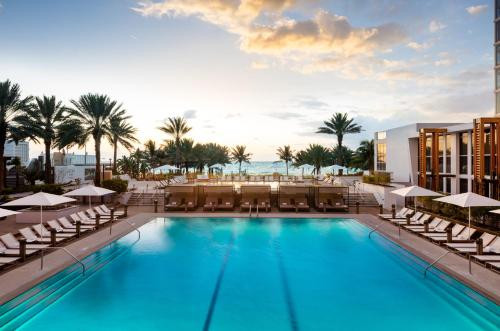 Nobu Hotel Miami Beach Photo