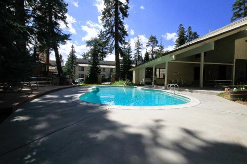 Mammoth Mountain Reservations Pet Friendly condos - Mammoth Lakes, CA 93546