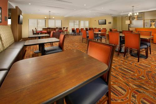 TownePlace Suites by Marriott Eagle Pass Photo