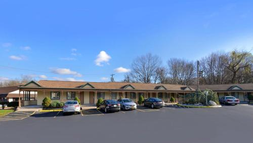 Americas Best Value Inn Cheshire Photo