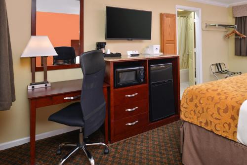 Americas Best Value Inn Cheshire - Cheshire, CT 06410