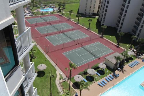 Royale Beach and Tennis Club by VRI Resort Photo