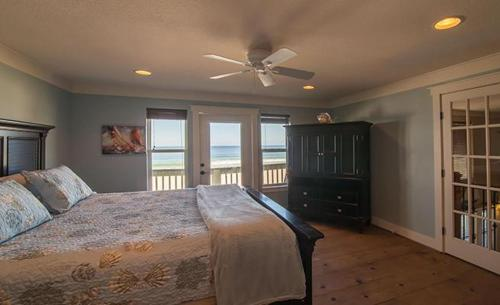 Front Beach House 17823 Photo