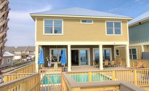 Surf House 8209 Photo