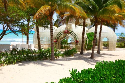 Sandos Caracol Eco Resort All Inclusive Photo