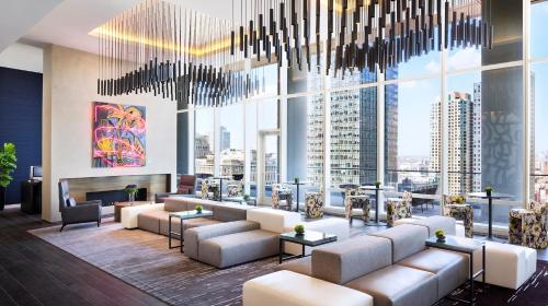 Global Luxury Suites in Downtown Chicago Photo