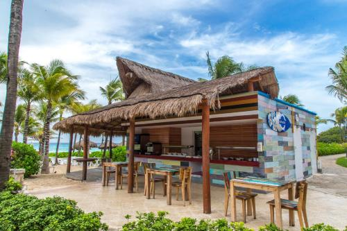 Sandos Playacar Beach Resort - Select Club - All Inclusive Photo