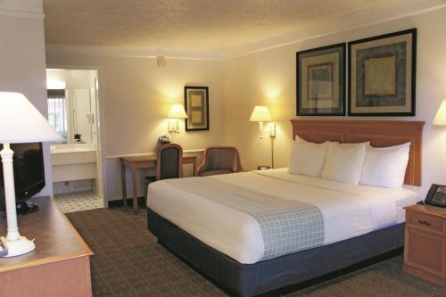 La Quinta Inn Huntsville Photo