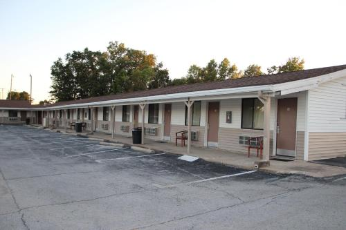 Frontier Motel Photo