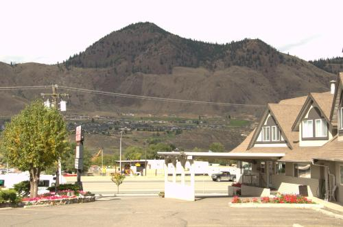 Best Budget Inn & Suites Kamloops Photo