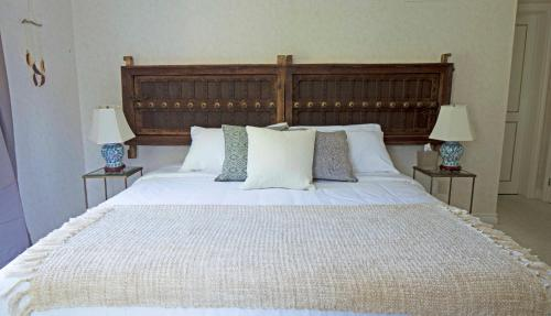 Queen Regent Bed & Breakfast Photo
