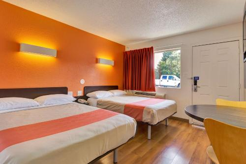 Motel 6 Santa Rosa South California Photo