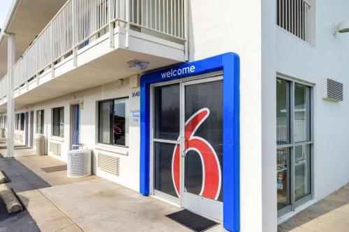 Motel 6 Redding Central Photo
