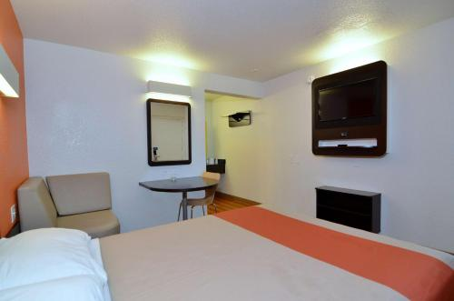 Motel 6 Palm Desert - Palm Springs Area Photo