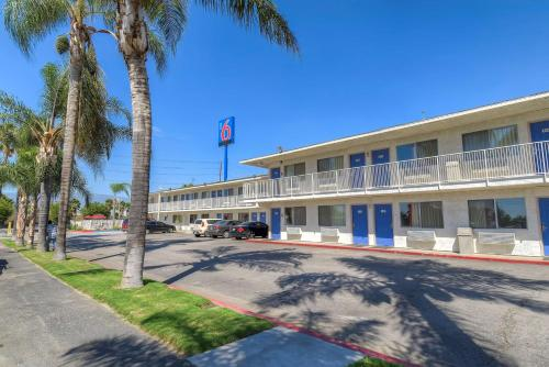 Motel 6 San Bernardino South Photo