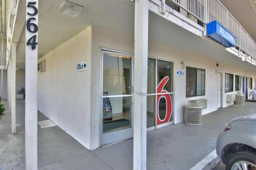 Motel 6 Woodland - Sacramento Area Photo