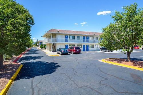 Motel 6 Pueblo - I-25 Photo
