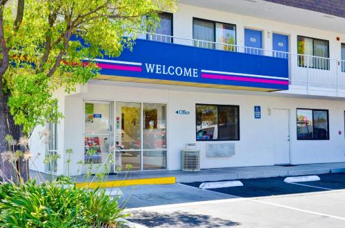 Motel 6 Santa Gustine Photo