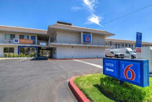 Motel 6 Riverside West - Rubidoux, CA 92509