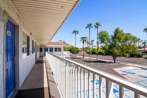 Motel 6 Mesa North Photo