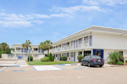 Motel 6 Gulfport Photo