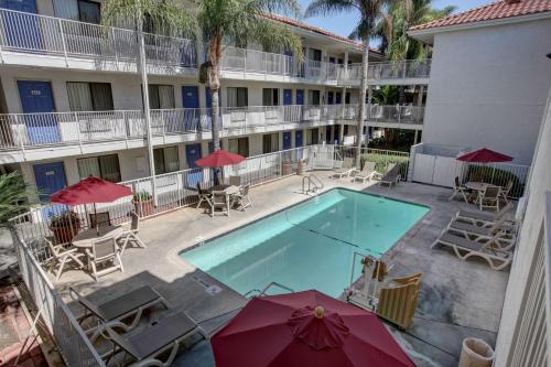 Motel 6 Los Angeles - Bellflower Photo