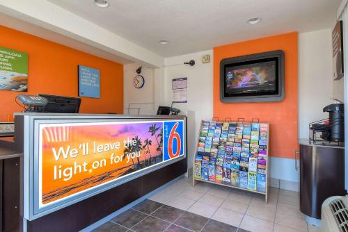 Motel 6 Los Angeles - Harbor City Photo