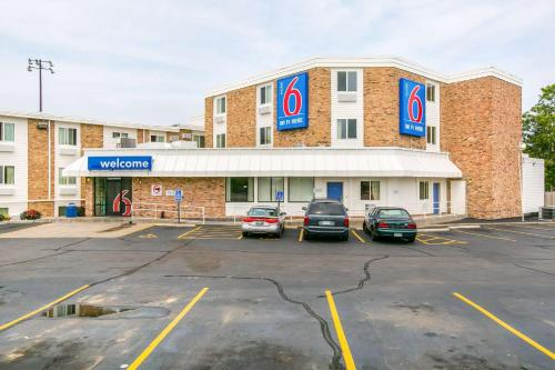Motel 6 Minneapolis Airport - Mall Of America Photo