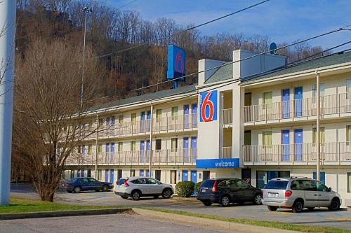 Motel 6 Charleston East Maccorkle Avenue Photo