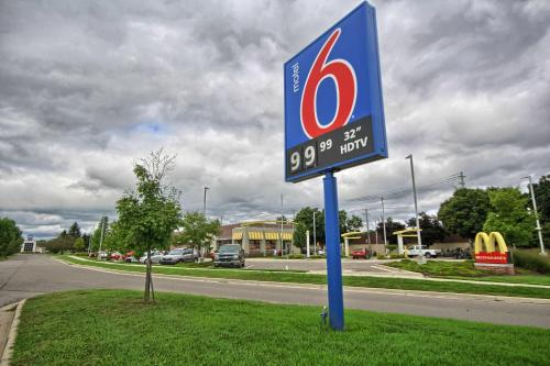 Motel 6 Ann Arbor Photo