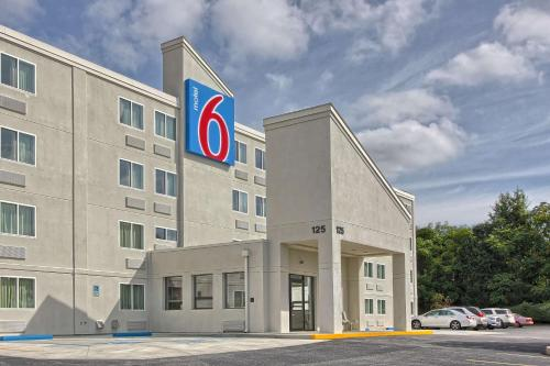 Motel 6 York North Photo