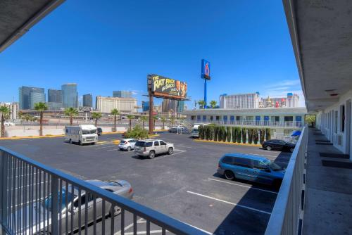 Motel 6 Las Vegas - I-15 photo 30