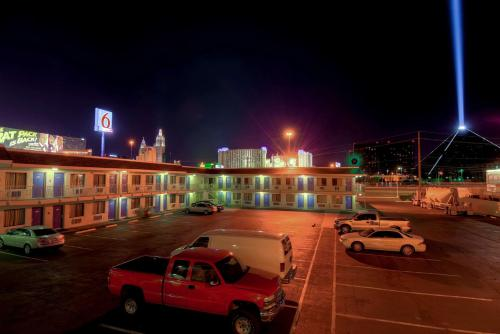 Motel 6 Las Vegas - I-15 photo 31