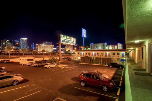 Motel 6 Las Vegas - I-15 photo 32