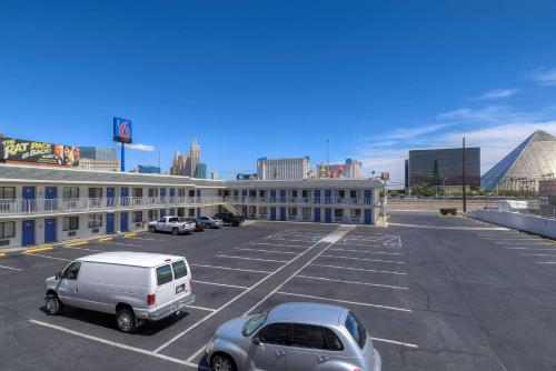 Motel 6 Las Vegas - I-15 photo 33