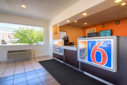 Motel 6 Las Vegas - I-15 photo 44