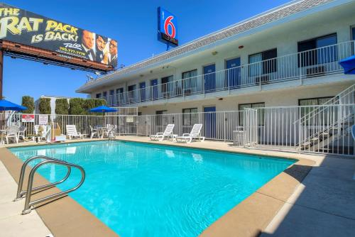 Motel 6 Las Vegas - I-15 photo 49