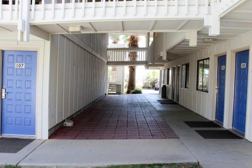 Motel 6 Coalinga East Photo
