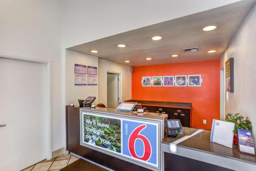 Motel 6 Portland - Tigard West Photo